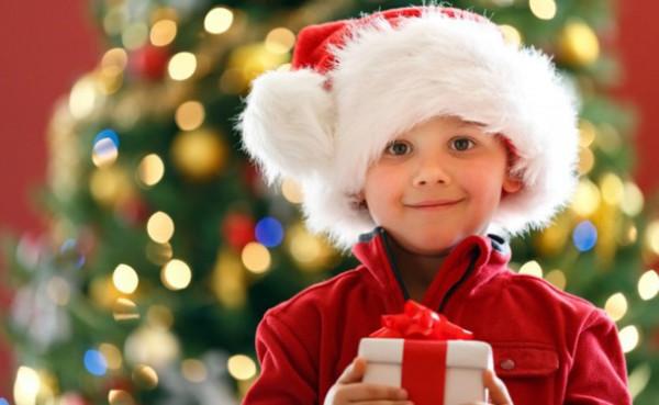 Детская шапка Деда Мороза